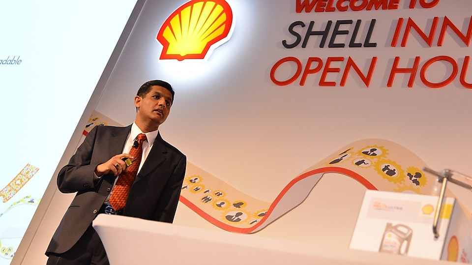 Commercial Manager, Sriram presenting to Shell colleagues